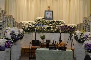 会長の葬儀2