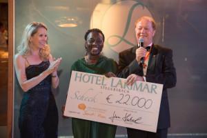 Daniela Lakosche mit Auma Obama und Johann Haberl © Hotel Larimar, Bergmann