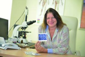 Sabine Linek in ihrer Praxis in Travemünde